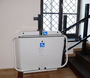 Vertical Stairlifts Without a Shaft